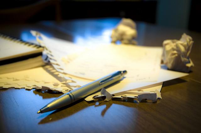 Kugelschreiber und Papier