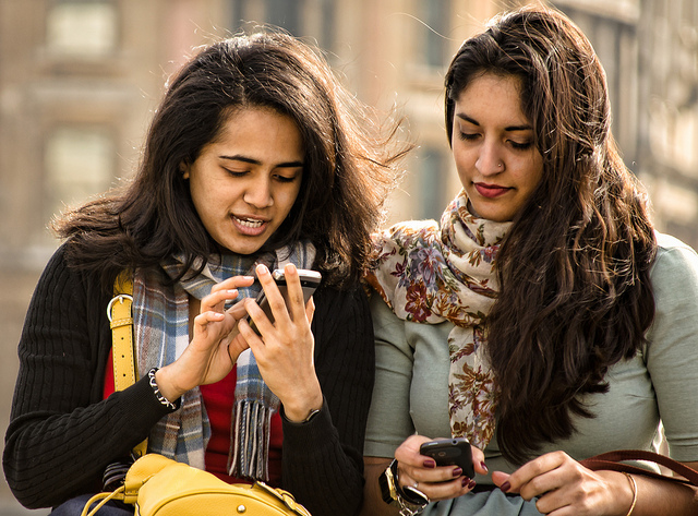 Freunde mit Handy