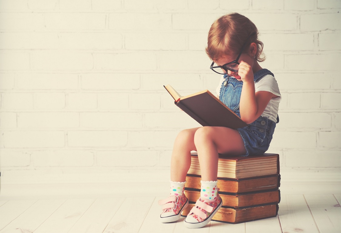 Lesendes Kind